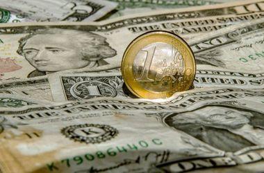 Курс доллара на межбанке упал до 21 грн