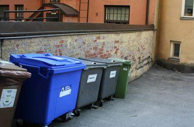 Одесситка выбросила тело ребенка в мусорный контейнер и сообщила в милицию о похищении
