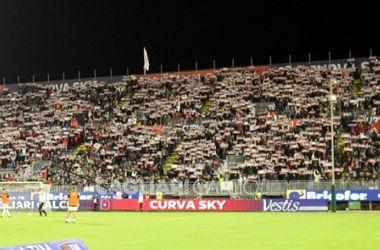 """Фанаты """"Кальяри"""" прорвались на тренировочную базу клуба и напали на игроков"""