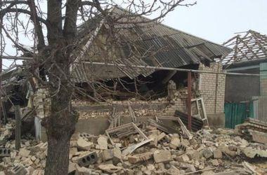 Боевики обстреляли село Валуйское, снаряды попали в жилые дома
