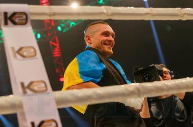 Александр Усик в Киеве избил российского боксера