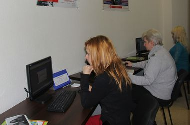 В Харькове безработным и переселенцам помогут найти работу