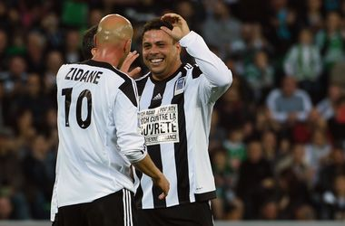 Роналдо оформил хет-трик в благотворительном матче против бедности
