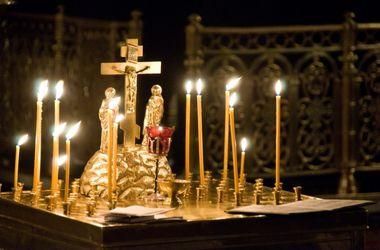 Православные отмечают Радоницу - день посещения кладбищ и поминовения усопших
