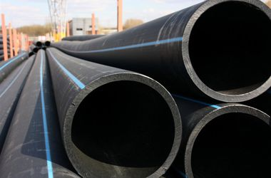 В Харькове изношенные стальные трубы заменят на пластиковые