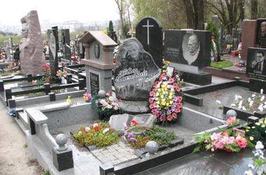 В Киевской области поймали банду кладбищенских воров