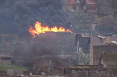 """В """"Азове"""" заявляют, что под обстрел боевиков попали жилые дома в Широкино"""