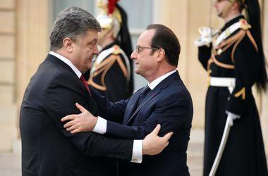 Сегодня Олланд и Порошенко обсудят отправку миротворцев на Донбасс – Елисейский дворец