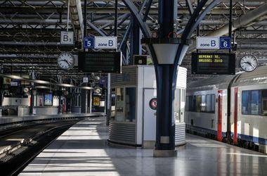 Массовая забастовка работников госсектора полностью обездвижила Бельгию