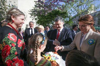 Порошенко встретился с украинской диаспорой во Франции