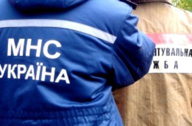 Столичные спасатели достали из Днепра утопленницу