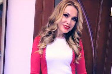 Ольга Сумкая показала архивные фото с сестрой