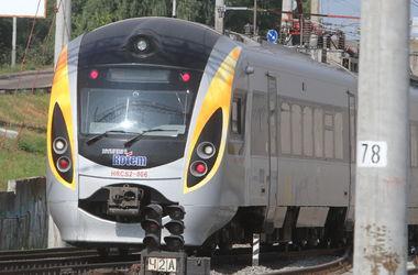 На майские праздники назначен дополнительный поезд Киев — Одесса