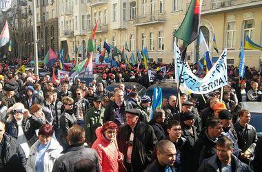 Демчишин прерывает визит в США из-за бунта шахтеров