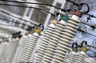 Порошенко передал в компетенцию Кабмина вопрос поставок электроэнергии на неподконтрольную часть Донбасса