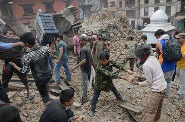 Жертвами мощнейшего землетрясения в Непале стали более 1,5 тысячи человек - СМИ