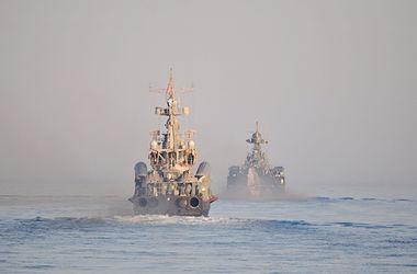Российские корабль на воздушной подушке и ракетные катера устроили стрельбу в Черном море
