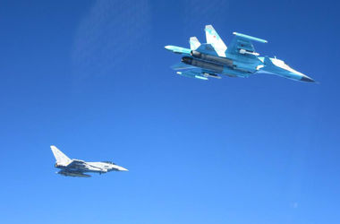 В сеть попали фото перехвата российских самолетов истребителями НАТО над Балтикой
