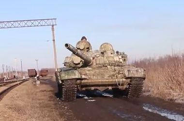 Почти два десятка танков выдвинули боевики к Ясиноватой - ИС