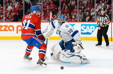 """""""Тампа"""" и """"Чикаго"""" одержали победы во втором раунде плей-офф НХЛ"""