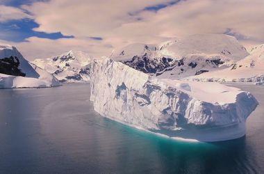 Завораживающее видео: беспилотник снял Антарктиду с высоты птичьего полета