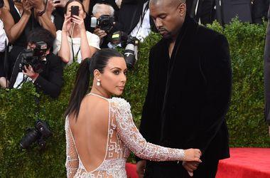Ким Кардашьян померялась формами с Дженнифер Лопес (фото)