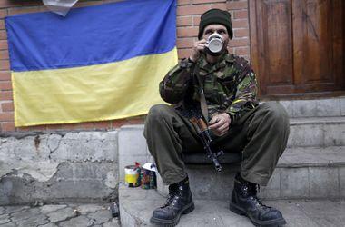 Украинским военным добавили в рацион сало и мед