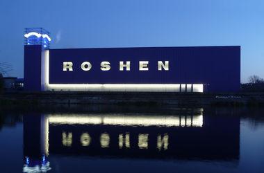 """Порошенко больше не миллионер, """"Рошен"""" потерял 25% - Bloomberg"""