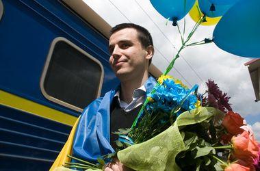 """Отец освобожденного из российской тюрьмы украинского студента: """"Юре пришлось пережить допросы и пытки"""""""