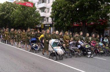 Как отметили 9 Мая в аннексированном Крыму: корабли, дети в военной форме и живые статуи