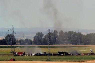 Военно-транспортный самолет упал на завод Coca-Cola в Испании