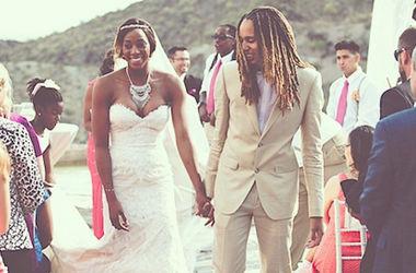 Баскетболистки женской НБА сыграли свадьбу