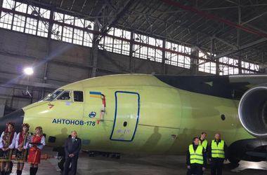 """Официальная премьера украинского Ан-178 состоится в июне под Парижем на авиасалоне """"Ле Бурже-2015"""""""