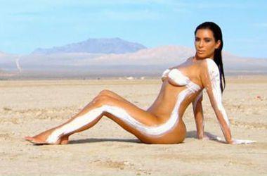 Голая Ким Кардашян в пустыне взбудоражила поклонников