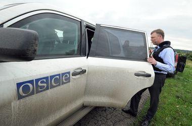 Наблюдатели ОБСЕ случайно попали под обстрел украинских военных