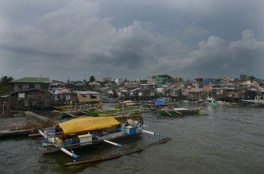 На Филиппинах появились первые жертвы мощного тайфуна