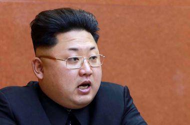 Лидер КНДР Ким Чен Ын приказал отравить свою тетку - CNN