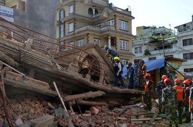 Количество жертв нового землетрясения в Непале продолжает расти