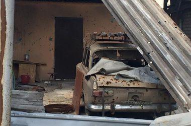Как выглядит Донецк после новых обстрелов: очередная разруха, отсутствие связи и жизнь в темноте