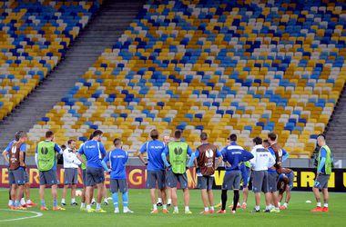 """Букмекеры о матче """"Днепр"""" - """"Наполи"""": будет забито не больше двух голов, в финал выйдут итальянцы"""