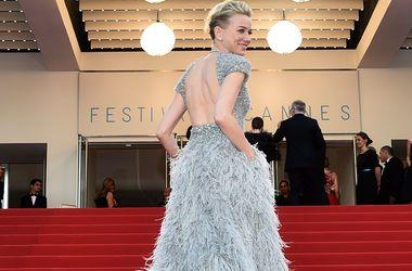 Открытие фестиваля в Каннах: звезды выбрали наряды со шлейфом и прозрачные платья