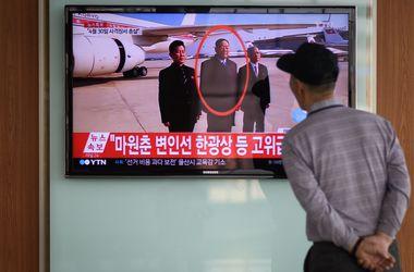 Телевидение КНДР показало привселюдно расстрелянного министра обороны