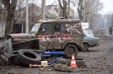 В районе Станицы Луганской продолжаются перестрелки между боевиками и военными