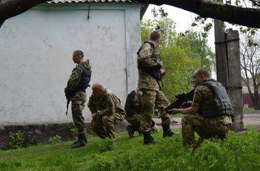 При обстреле боевиками Крымского ранен местный житель, а поставка гумпомощи приостановлена - Москаль