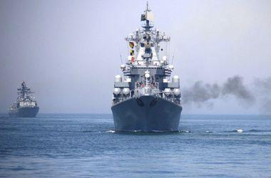 Россия и Китай начали военные учения в Средиземном море