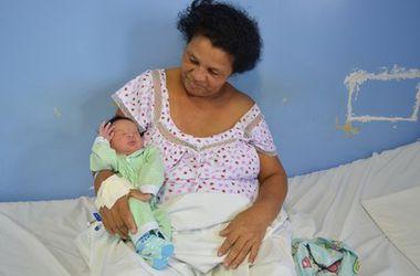 В Бразилии 51-летняя женщина родила 21-го ребенка