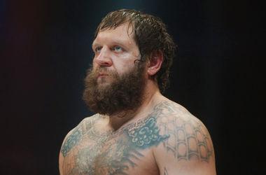 Известного бойца смешанных единоборств Александра Емельяненко посадили на 4,5 года