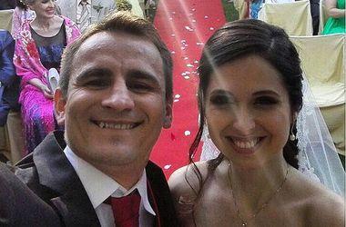 Боксер Петр Петров сделал селфи на собственной свадьбе