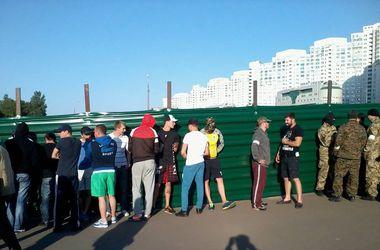 """Как киевляне сносили забор и отстаивали """"зеленые метры"""""""