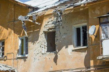 """Обстановка в Донецке: """"громкая"""" ночь и новые SIM-карты от боевиков"""